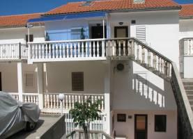 Djurasevic Apartments Sveti Stefan | Cipa Travel