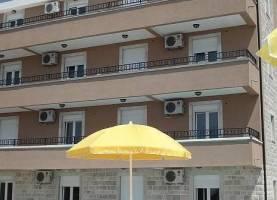 Apartments Mina Blizikuce Sveti Stefan 1