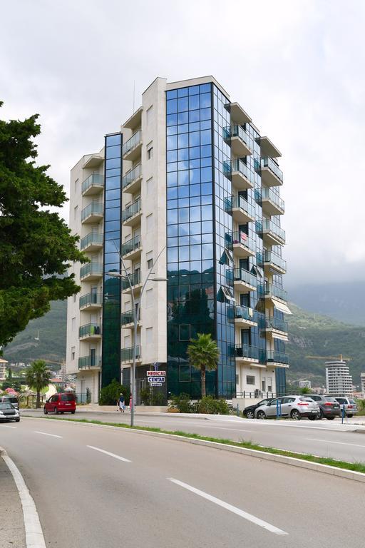 Апартаменты черногория купить дом в Абу Даби Сэр Бани Яс
