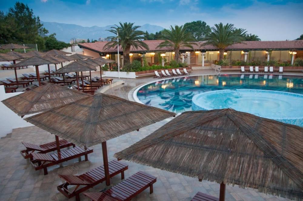 Отель Slovenska Plaza Hotel Slovenska Plaža 3 Budva Swiming Pool | Montenegro | CipaTravel